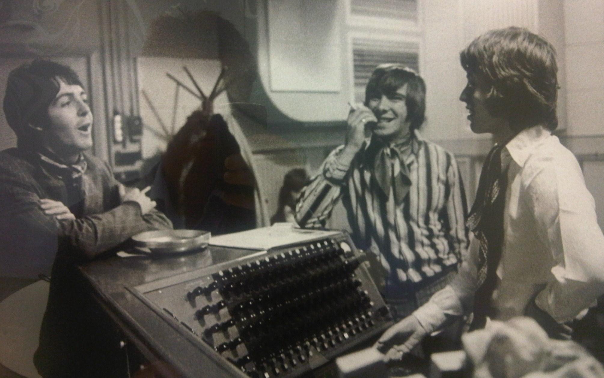 Beatles y Stones Enemigos?...no, pasa