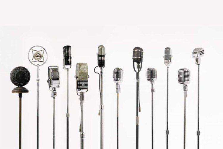 A-Collection-of-Twelve-American-Modernist-Microphones-ca.-1925-1946-est.-25000-35000[1]