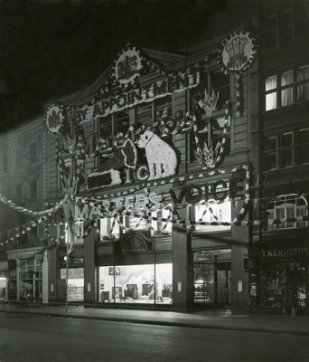 HMV Shop Oxford Street Circa 1920s-1930s © EMI Group Archive Trust