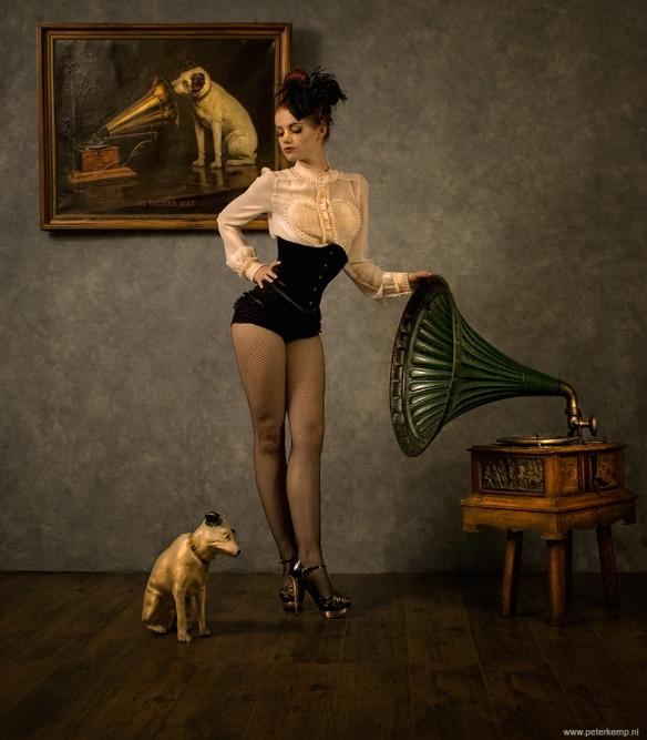 Raffaella_neerkijkend-op-hond6-groot