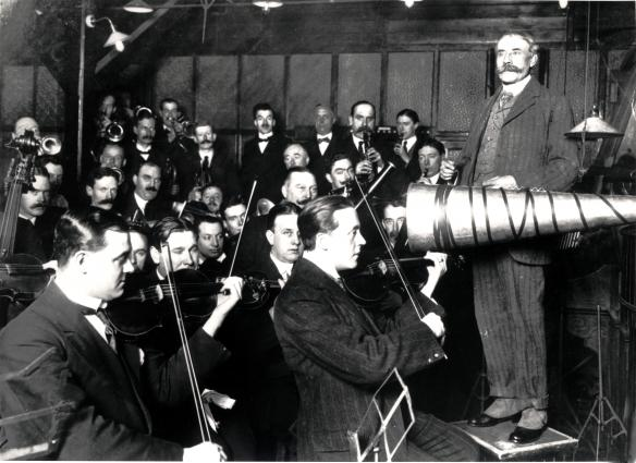 Sir Edward Elgar conducting first record 'Carissima' Jan 1914, possibly at City Road - Early 20th century recordings.  Image supplied Courtesy of The  EMI Group Archive Trust